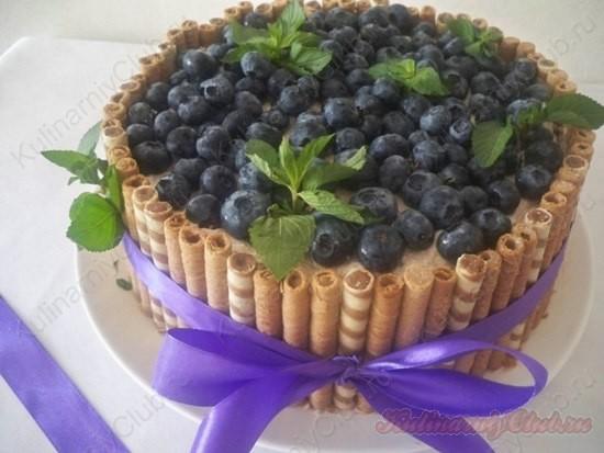 Торт-суфле с голубикой