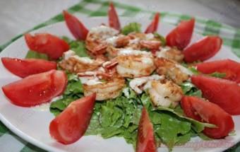 Салат с креветками очень простой и вкусный. фото