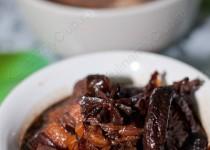 Тушеная свинина с китайскими грибами