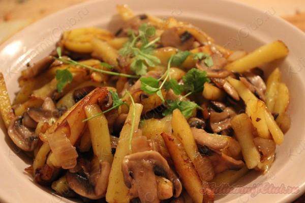 Картошка, тушёная с грибами фото