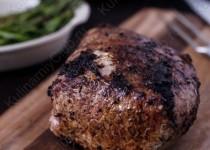 Свиная корейка с бальзамическим уксусом и тимьяном