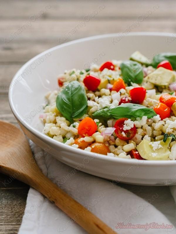 Салат с кукурузой и сыром фета фото
