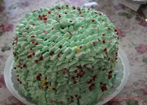 Торт-пиньята, или торт с сюрпризом.