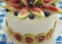 Йогуртовый банановый торт с инжиром
